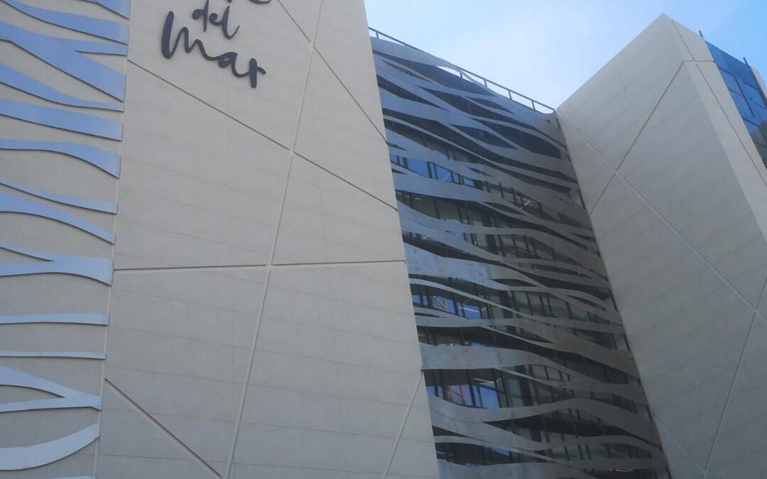 Remodelación fachada y construcción marquesina hotel Torre del Mar en Ibiza